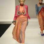 Lima Desainer Indonesia Perkenalkan Busana Muslim di London Fashion Week 2016