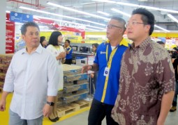 Grand Opening Courts Megastore BSD City